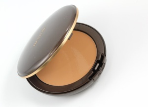 Revlon-New-Complexion-One-Step-Compact-Makeup-open